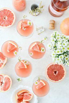 Grapefruit Rosé Mimosas l SimplyScratch.com #adult #beverage #grapefruit #rose #mimosa #easter #brunch #mothersday Mimosas, Sparkling Grape Juice, Best Wine Clubs, Rose Champagne, Dessert Drinks, Desserts, Pink Drinks, Edible Flowers, Postres