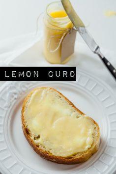 Lemon Curd selber machen - das ist doch sicher ein Haufen Arbeit, oder? Denkste! Ich verrate, wie schnell und einfach euer Glas Curd auf dem Tisch steht.