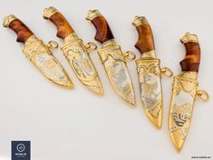 New knives. Engraving, etching, forging, silvering, blacking, gilding. Noblie Collectibles.