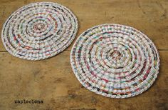 Podkładki na stół Strips - zestaw - zapleciona - Podkładki i serwetki Paper Crafts, Rugs, Etsy, Facebook, Home Decor, Farmhouse Rugs, Decoration Home, Tissue Paper Crafts, Room Decor