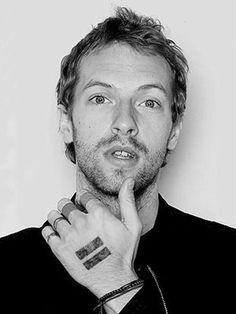 """Christopher Anthony John Martin alias """"Chris Martin"""", chanteur, pianiste et guitariste britannique."""