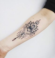 (notitle) - Tattoo ❤️ - Tattoo Designs for Women Lotusblume Tattoo, Mehndi Tattoo, Piercing Tattoo, Tattoo Blog, Piercings, Mandala Tattoo Design, Flower Tattoo Designs, Tattoo Designs For Women, Tattoos For Women