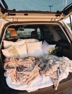 VSCO - emilyhansonz - Samling, - Lilly is Love Summer Dream, Summer Fun, Fun Sleepover Ideas, Sleepover Room, Dream Dates, Cute Date Ideas, Kombi Home, Tumblr Rooms, Summer Goals