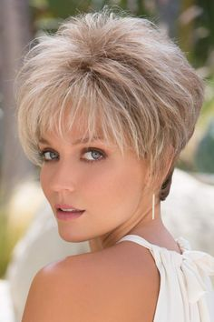 Roni by Noriko Wigs Frisuren hair cuts for women Short Hair With Layers, Short Hair Cuts For Women, Short Hairstyles For Women, Modern Hairstyles, Short Wigs, Long Wigs, Short Pixie, Pixie Hairstyles, Layered Hairstyles