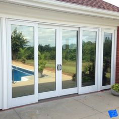 Learn the advantages of different types of window glass that are available before you order your windows Mirror House, Window Mirror, Window Frames, Translucent Glass, Clear Glass, Types Of Window Glass, Screened Porch Doors, House Window Design, Window Glazing