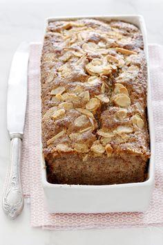 אם אתם אוהבים אגוזים – אתם מוכרחים לנסות את העוגה הבאה, שמשלבת אגוזים, קינמון