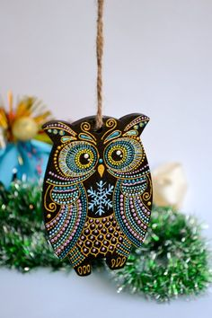 Personalized Christmas Owl Ornament Wooden owl Christmas in Painted Christmas Ornaments, Christmas Bird, Hand Painted Ornaments, Personalized Christmas Ornaments, Christmas Mandala, Owl Art, Bird Art, Wood Owls, Owl Crafts