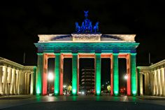Brandenburger Tor /// Berlin Brandenburg Gate @ Berlin FESTIVAL OF LIGHTS 2009 (c) Festival of Lights / Christian Kruppa  #Berlin #FestivalofLights #BrandenburgerTor #BrandenburgGate
