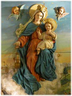 Santísima Virgen, que acompañas por los caminos del mundo a los que expatrian en busca de trabajo y de pan.  Tú que conoces también ...