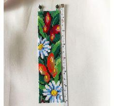 Butterflies & Chamomile Bracelet Daisy Flower Bead Bracelet