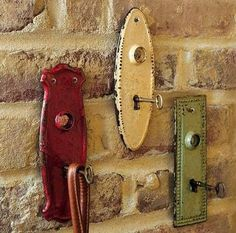 Use old key holder plates and skeleton keys for coat hangers, purse hangers, key hangers, etc.