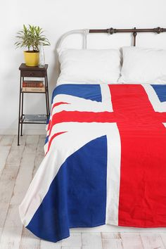 Ordered a comforter sort of like this from Amazon yesterday. c: