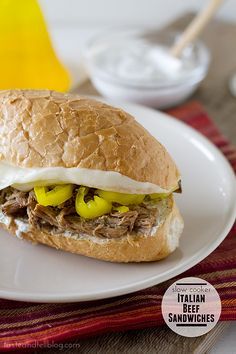 Slow Cooker Italian Beef Sandwiches with Ranch Horseradish Sauce from Taste and Tell; what really makes this sound good to me is the sauce and it's perfect for a Slow Cooker Summer Dinner! [via Slow Cooker from Scratch] Roast Beef Sandwich, Italian Beef Sandwiches, Soup And Sandwich, Sandwich Recipes, Sandwich Ideas, Slow Cooker Italian Beef, Crock Pot Slow Cooker, Slow Cooker Recipes, Crockpot Recipes