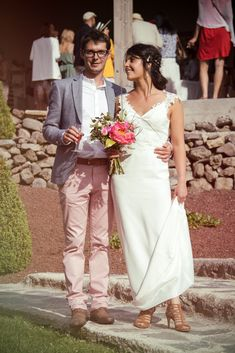 Ludivine Guillot - Robe de mariée sur mesure - Lyon - Fluide rétro champêtre bohème chic dentelle dos nu transparence