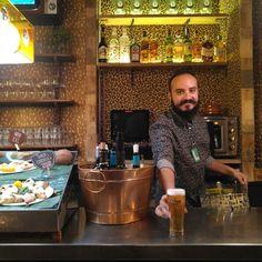 """Bienvenidos al """"Mandanga de la Buena"""", un bar de tapas, restaurante y coctelería con una playa con arena auténtica en el casco histórico de Zaragoza (calle Contamina 7)  #zaragoza #zaragozaguia #zgzguia #regalazaragoza #zaragozapaseando #zaragozaturismo #zaragozadestino #miziudad #zaragozeando #mantisgram #magicaragon #loves_zaragoza #loves_aragon #igerszaragoza #igerszgz #igersaragon #instazgz #instamaños #laotrazaragoza #otrazaragoza #zaragozaciudadana #madeinzgz"""