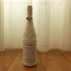 Deze decoratieve fles Vriendschap is een leuke decoratie voor in huis. Maar kan ook gebruikt worden als vaas met een mooie bloem erin. Presenteer een groepje bij elkaar of geef het als origineel cadeau. Passend in bijna iedere woninginrichting.