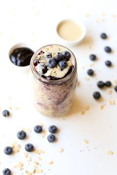 Blueberry overnight oats | simpleveganblog.com #vegan #glutenfree #healthy