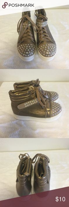 Machi sneakers Macho sneakers with rhinestone foot lace front size 6 golden bronze color Shoes Sneakers