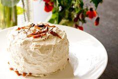 Sounds like a winner: Salted Caramel Birthday Cake. My Birthday Cake, Happy Birthday, Delicious Recipes, Yummy Food, Salted Caramel Cake, Caramel Buttercream, How Sweet Eats, Chocolate Ganache, Cupcake Cookies