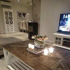 """Sofatid  #interior #interior123 #interior125 #interior444 #classyinterior #shabbyyhomes #myhome #livingroom #inspohome #rivieramaison #interiorfashion…"""