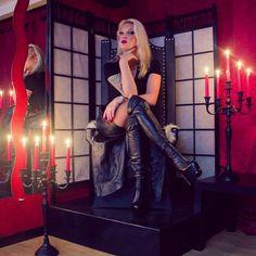 Erfolg hat Drei Buchstaben - TUN ! #herrinjessy #session #perfection #niceday #mistress #hamburg #leather #busy #dominastudio