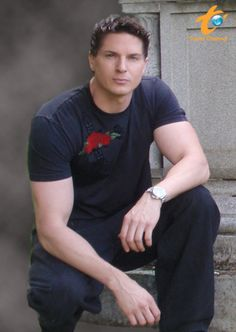 Zak Bagans - Lead Investigator for Ghost Adventurers. Show airs Friday Nights Frappé on the Travel Channel. Paranormal, Ghost Adventures Zak Bagans, Challenge, Ghost Hunters, People Magazine, Guy Names, Man Alive, Future Husband, A Team