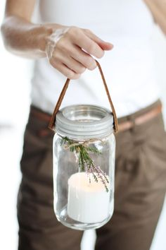 Home diy creative candle holders ideas Pot Mason Diy, Mason Jar Candle Holders, Mason Jar Candles, Candle Sticks, Soy Candle, Candlestick Holders, Diy Candle Projects, Diy Projects, Diy Candles Easy