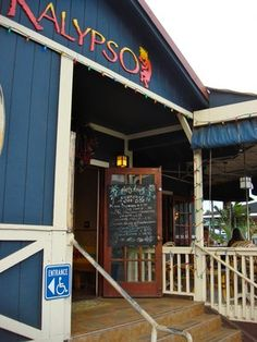 Kalypso's in Hanalei Bay, a really good place to eat and highly recommend the Kauai Tai.
