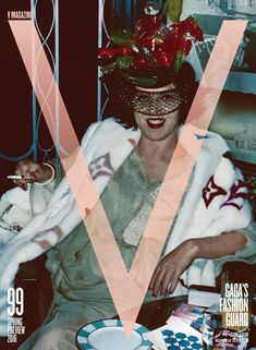 Cover Isabella Blow Claridges) Shot by Steven Klein. She was Best friend muse & discoverer of Alexander McQueen Philip Treacy Daphne Guinness. by ladygaga V Magazine, Magazine Shop, Magazine Covers, Lady Gaga, Isabella Blow, Daphne Guinness, Hedi Slimane, Fashion Cover, Karl Lagerfeld