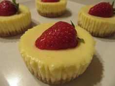 Muffin, Cheesecake, Mini, Food, Cheesecakes, Essen, Muffins, Meals, Cupcakes
