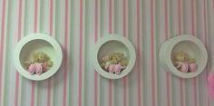 Quarto de bebê provençal com ursinha princesa. Acesse: http://mamaepratica.com.br/2016/01/20/quarto-de-bebe-provencal-com-ursinha-princesa/  #decoração #quarto #bebê #provençal #ursinha #rosa