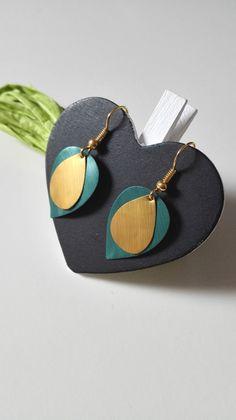 Boucles d'oreilles feuilles Nespresso vertes dorées graphiques féériques : Boucles d'oreille par miss-perles
