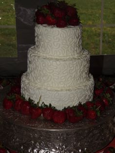 chantilly lace wedding cake chocolate and strawberry wedding cake the most delicious 12499