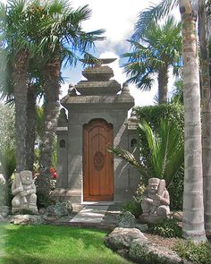 Balinese Gate-If only i could have a wall and door as an entrance to my backyard Bali Garden, Balinese Garden, Asian Garden, Buddha Garden, Balinese Interior, Balinese Decor, Tropical Houses, Tropical Garden, Auckland