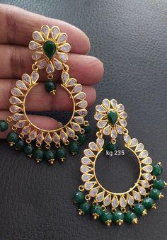 Ear Jewelry, Gold Jewelry, Jewellery, Bracelet Set, Bangle Bracelets, Bangles, Gold Earrings Designs, Gold Hoop Earrings, Crayon Drawings