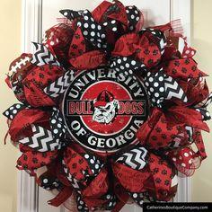 Looking for a custom Georgia Bulldogs wreath that captures your Dawg spirit? Football Team Wreaths, Sports Wreaths, Georgia Bulldog Wreath, Georgia Bulldogs, Wreath Crafts, Diy Wreath, Wreath Ideas, Georgia Wreaths, Deco Mesh Wreaths