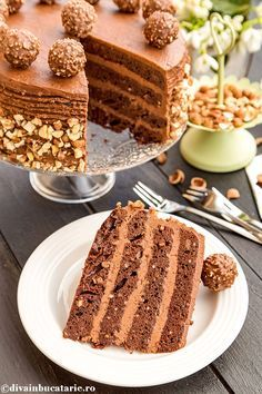 TORT FERRERO ROCHER | Diva in bucatarie Romanian Desserts, Romanian Food, Homemade Sweets, Homemade Cakes, Sweet Recipes, Cake Recipes, Dessert Recipes, Rocher Torte, Yummy Treats