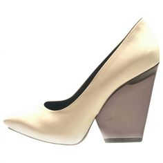 300 Buy your leather heels CÉLINE on Vestiaire Collective 7cf52b20f