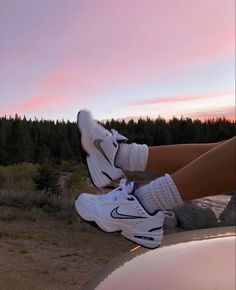 Dr Shoes, Swag Shoes, Nike Air Shoes, Hype Shoes, Me Too Shoes, Shoes Heels, Nike Socks, Sneakers Fashion, Fashion Shoes