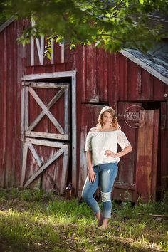 This old red barn is one of my faves and the gorgeous light we had for Marcella's senior session made it even more perfect Barn Senior Pictures, Summer Senior Pictures, Photography Senior Pictures, Senior Photos Girls, Senior Picture Outfits, Senior Picture Photographers, Barn Photography, Barn Pictures, Senior Girls