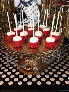 Oscar/Academy Awards The Oscars Party Ideas Hollywood Birthday Parties, Hollywood Party Food, Red Carpet Party, Red Party, Quinceanera Party, Sweet 16 Parties, Oscar Party, Oscar Academy, Academy Awards