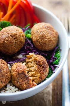 Vegan meatballs with tempehu Cookbook Shelf, Vegan Meatballs, Weekly Menu, Tempeh, Vegan Foods, Vegetarian Recipes, Healthy Lifestyle, Healthy Eating, Gluten Free
