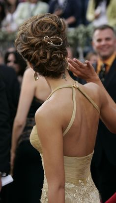 Jessica Alba updo. Still one of my favourites.