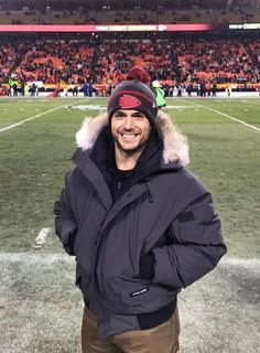 Henry Cavill a.a Superman at Arrowhead Stadium - Home of the Kansas City Chiefs The Witcher, Most Beautiful Man, Gorgeous Men, Beautiful Smile, Henry Superman, Henry Williams, Love Henry, The Man From Uncle, Clark Kent