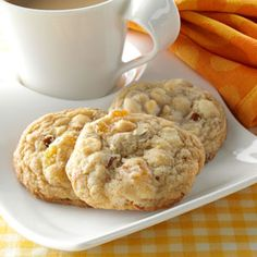 Apricot Almond Blondies Recipe -My mom shared this recipe with me after sampling…