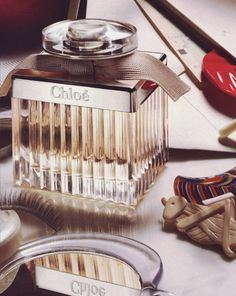 Chloe is such a lovely perfume. It is feminine and light yet a powerfully bold statement.