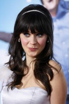 There's no way I could pull of thick bangs, but Zooey makes me wish I could.