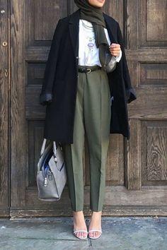 Modern Hijab Fashion, Hijab Fashion Inspiration, Muslim Fashion, Office Outfits Women, Office Fashion Women, Casual Hijab Outfit, Casual Winter Outfits, Capsule Wardrobe Women, Frock Fashion