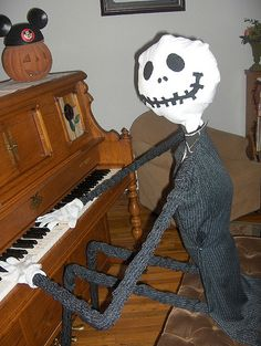 obSEUSSed: Halloween Life-Size Jack Skellington
