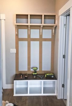 DIY Mudroom Bench 2/2